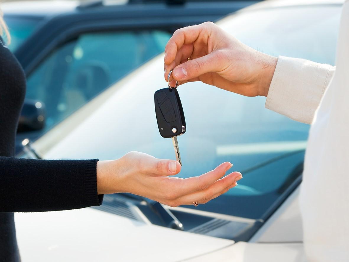 Договор аренды автомобиля между организацией и физическим лицом